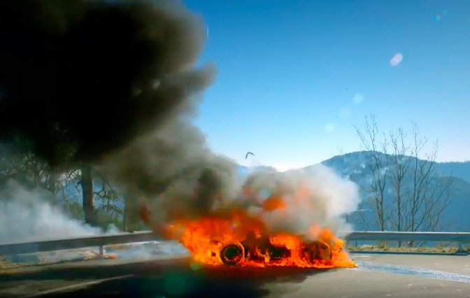 S0-top-gear-les-premieres-images-de-l-episode-avec-l-alpine-a110-en-feu-167207.jpg.70bd69a44fe2a371cb52eb1dd90d3ba6.jpg