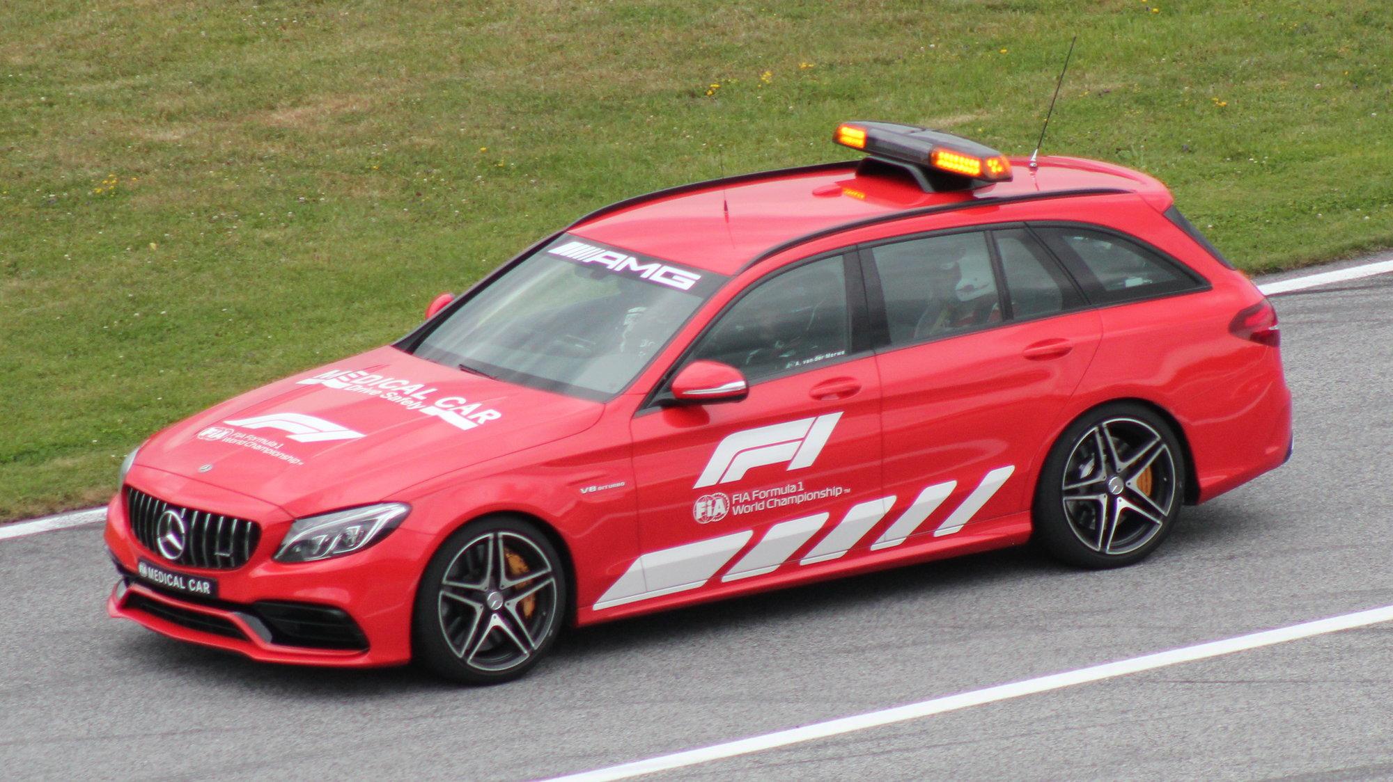 FIA_F1_Austria_2021_Medical_Car_(Mercedes).thumb.jpg.e52e988590ba3d4463a3c905e097a01a.jpg