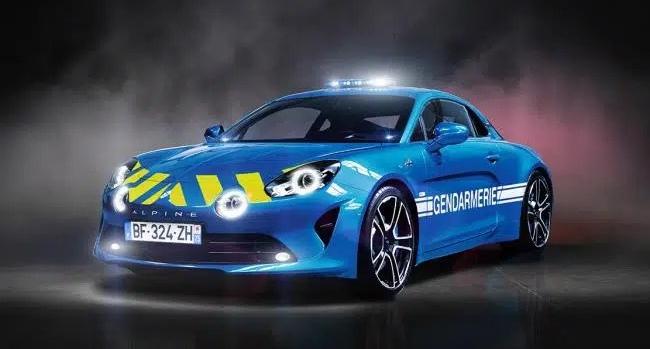 Alpine_A110_Gendarmerie_001_edit_339603539905471.jpg.c8ce6a32db7de29f7d42ab70f3356666.jpg